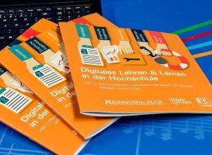 """dreiteilige Informationsbroschüre """"Digitales Lehren & Lernen in der Hochschule"""""""