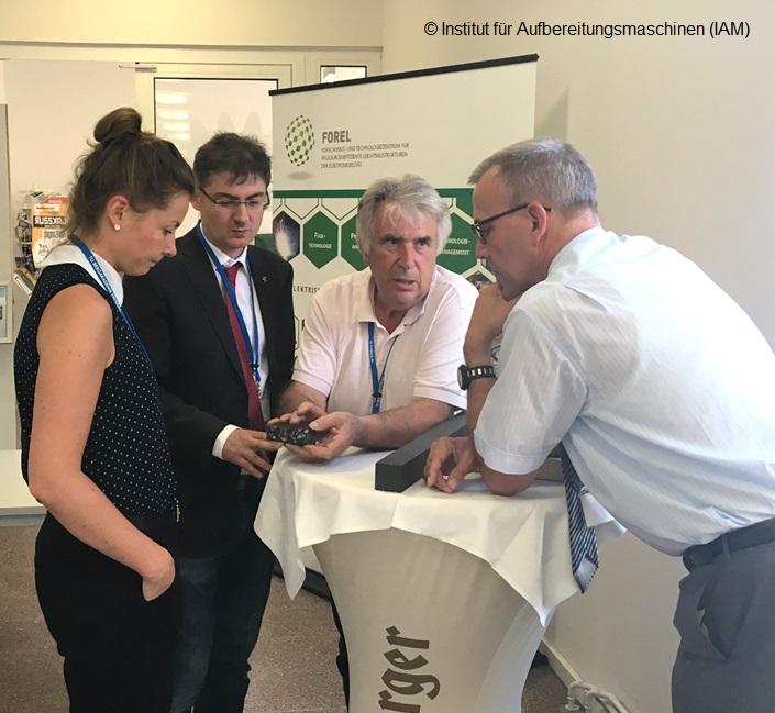 Frau Zöllner, Herr Dr. Krampitz, Herr Weißgerber und Herr Prof. Lieberwirth diskutieren beim 69. Freiberger Universitätsforum (BHT) 2018
