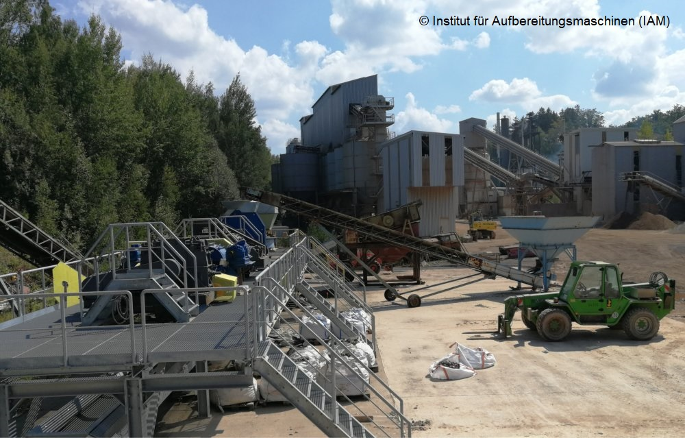 Versuchsanlage im Steinbruch des Instituts für Aufbereitungsmaschinen (IAM) der TU Freiberg