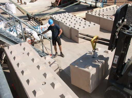 Construction of the bulk material boxes in the pilot plant of the Institute of Mineral Processing Machines (IAM) of the TU Mining Academy Freiberg with the help of a forklift processing technology AFK project mechanical engineering environmental engineering industrial engineering
