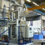 Laborversuchsstand im Sieblabor von Haver Niagara mit einer Fine-Line Siebmaschine für feine Pulver