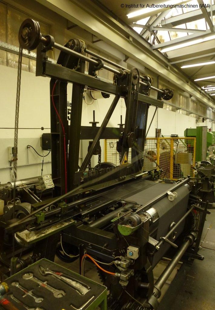 Haver & Boecker wire weaving Die Drahtweberei Institute of Mineral Processing Machines (IAM) raw materials recycling old weaving machine Oelde TU Bergakademie Freiberg