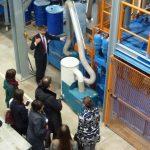 Dr. Heinicke (Maschinenfabrik Köppern GmbH & Co.KG) stellt den Teilnehmern des Kolloquiums die Einsatzmöglichkeiten von Gutbett-Walzenmühlen vor