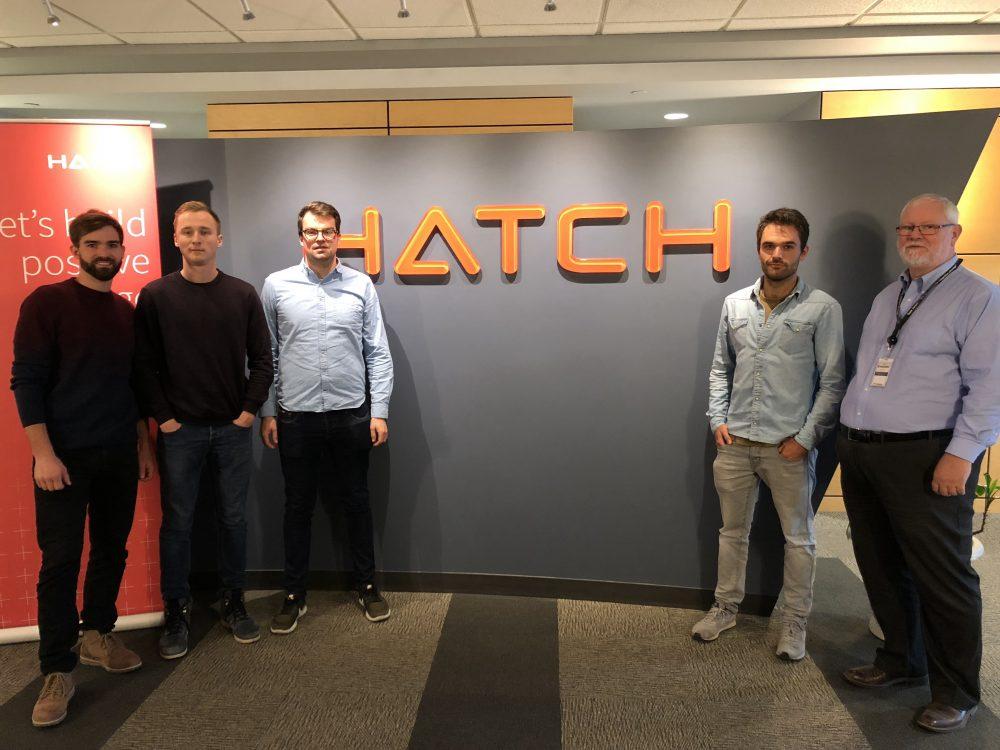Vier Studenten der Bergakademie Freiberg bei Hatch engineering