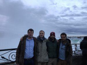 Die 4 Studenten der TU Bergakademie Freiberg an den Niagarafällen