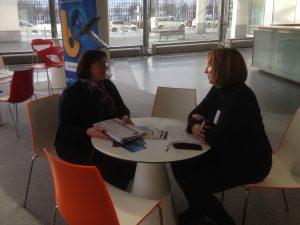 Frau. P. Hoske vom Projektpartner TU Dresden im Gespräch auf dem Bauma 2019 Medien-Dialog