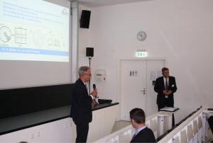 Prof. Lieberwirth spricht vor den Teilnehmern des Fachkolloquiums