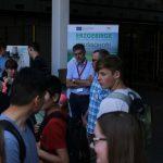 Stand des IEC beim CampusTag mit Besuchern